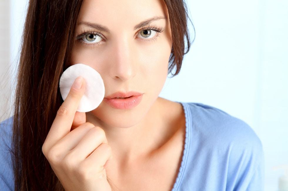 How to Clean Clogged face Pores