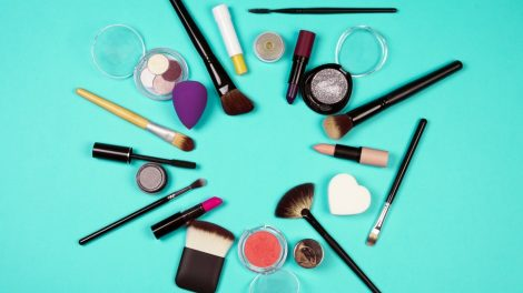 How to clean my makeup brushes