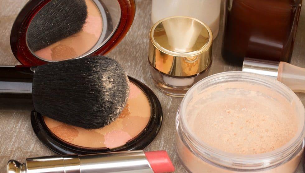 Loose Powder vs Pressed Powder