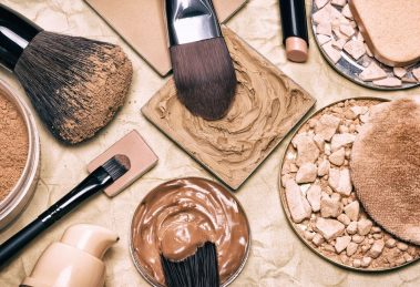Powder vs Liquid Foundation