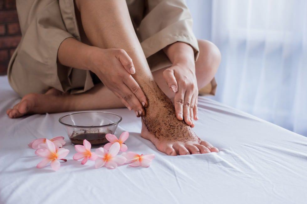 how to exfoliate legs before waxing