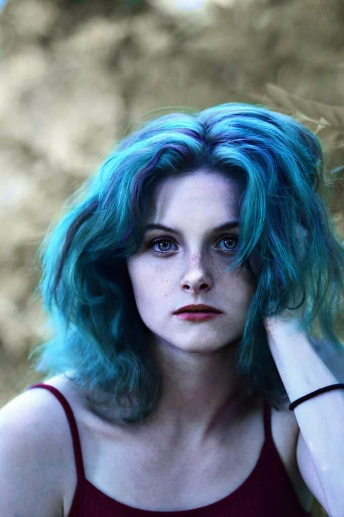 woman_with_blue_hair